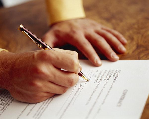 Jag har inget skriftligt anställningsavtal, kan jag kräva det av arbetsgivaren?